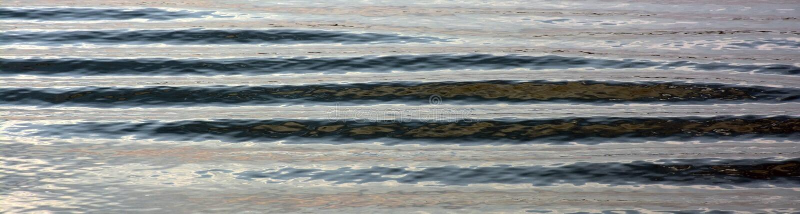 Rimpelingen op kalm water royalty-vrije stock foto's