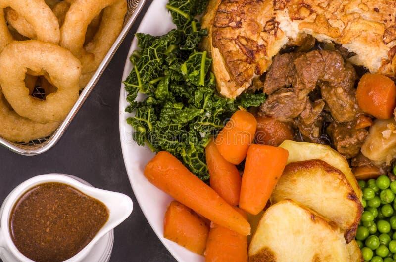 Rindfleisch in der irischen Stout Torte lizenzfreies stockfoto