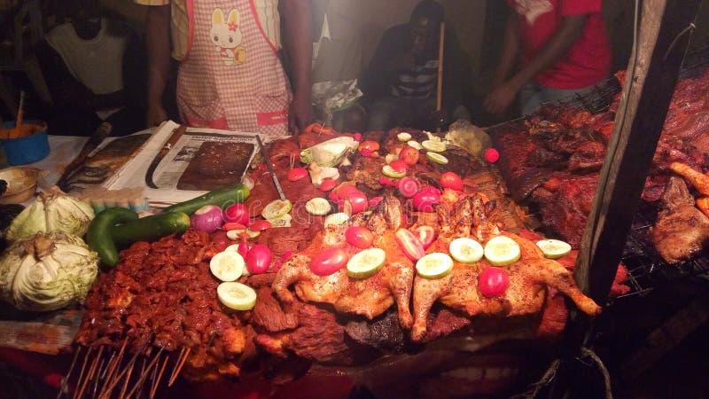 Rindfleisch und Huhn Suya stockbilder