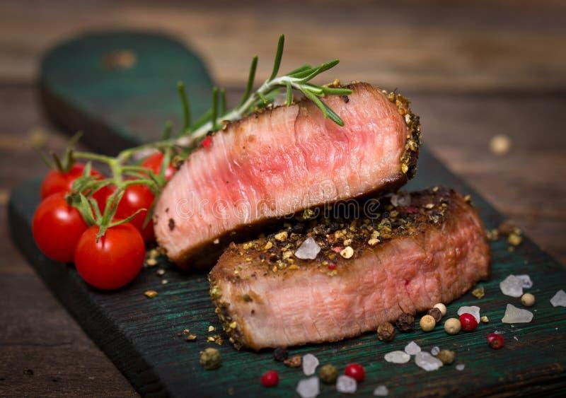 Rindfleischsteak stockbilder