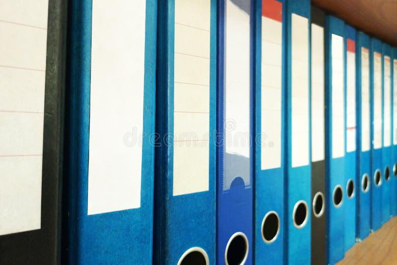 Ring Binders Organização do original Prateleira do escritório do arquivo do arquivo fotos de stock