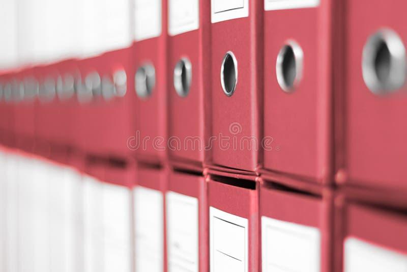 Ring Binders, prateleira do escritório do arquivo do arquivo fotografia de stock royalty free