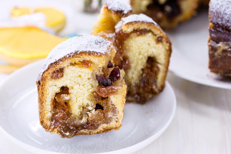 Download Ring cake with icing sugar stock image. Image of food - 36738483