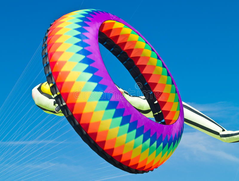 Ring Kite Flying colorido imagens de stock