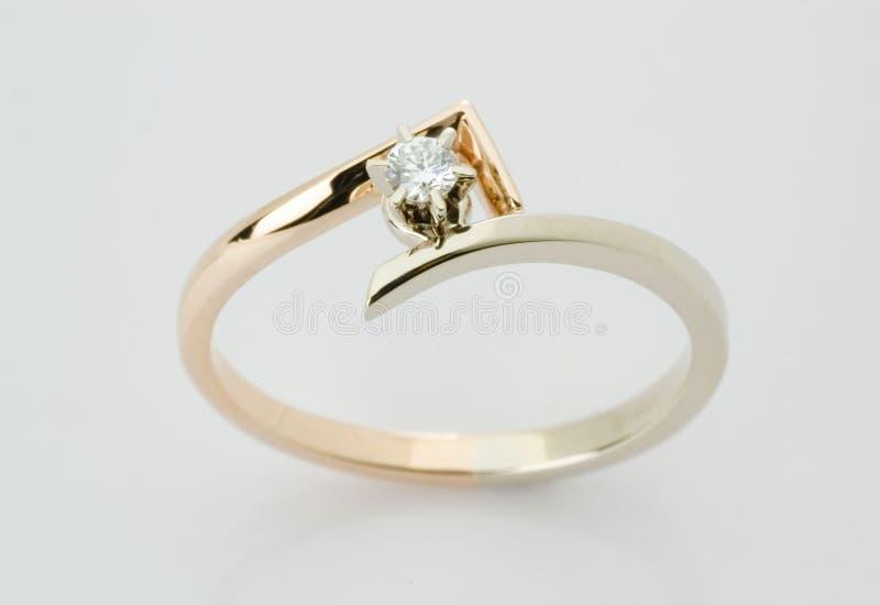 Ring met de diamant stock fotografie