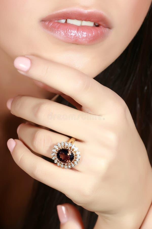 Ring met een juweel stock foto's