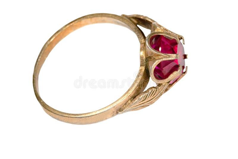 Ring met granaat royalty-vrije stock fotografie