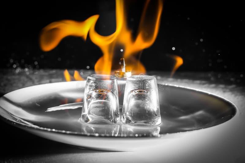Ringen op brand stock afbeelding