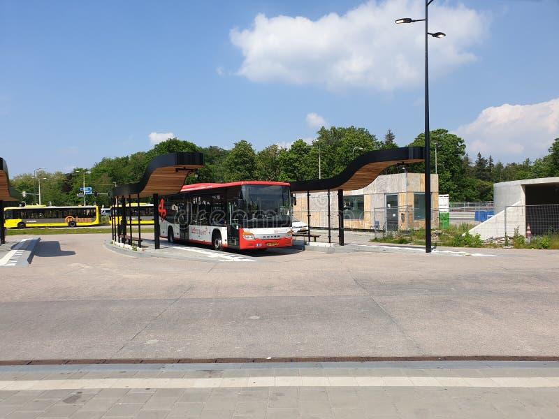 Rinnovamento della stazione ferroviaria Driebergen Zeist nei Paesi Bassi con la strada sotterranea e dell'espansione a 4 piste fotografia stock