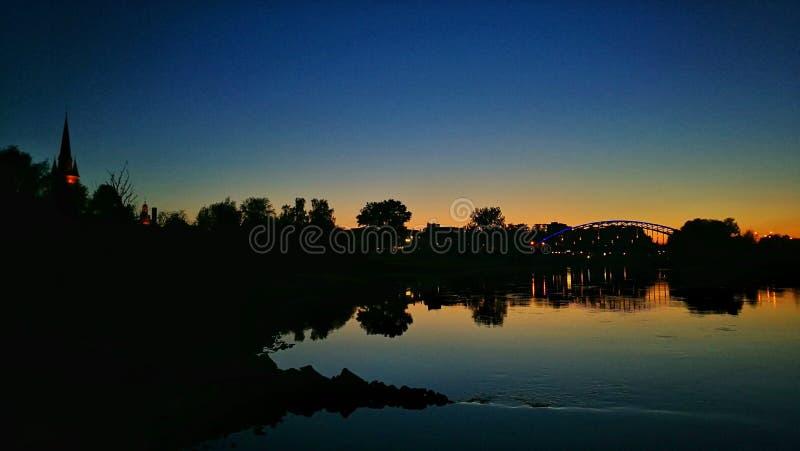 Rio Alemanha de Nightview foto de stock