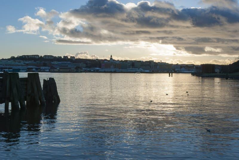 Rio antes do por do sol no inverno foto de stock royalty free