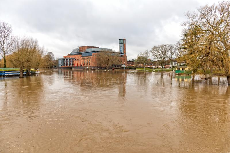 Rio Avon na inundação, Stratford em cima de Avon, Inglaterra fotografia de stock