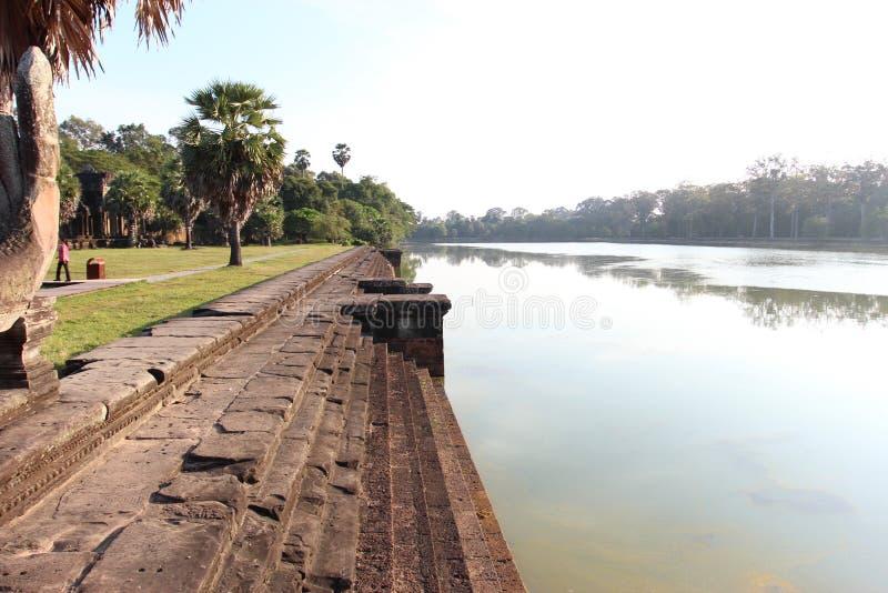Rio calmo bonito em Camboja perto do complexo de Angkor Wat imagens de stock royalty free