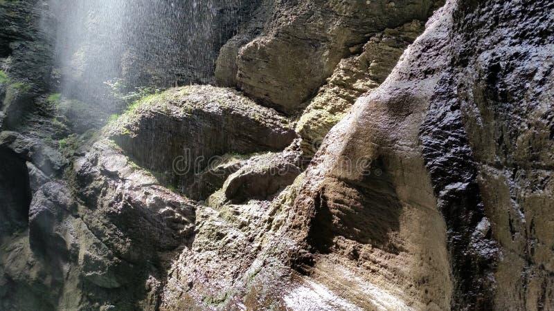 Rio da montanha em Partnachklamm foto de stock royalty free