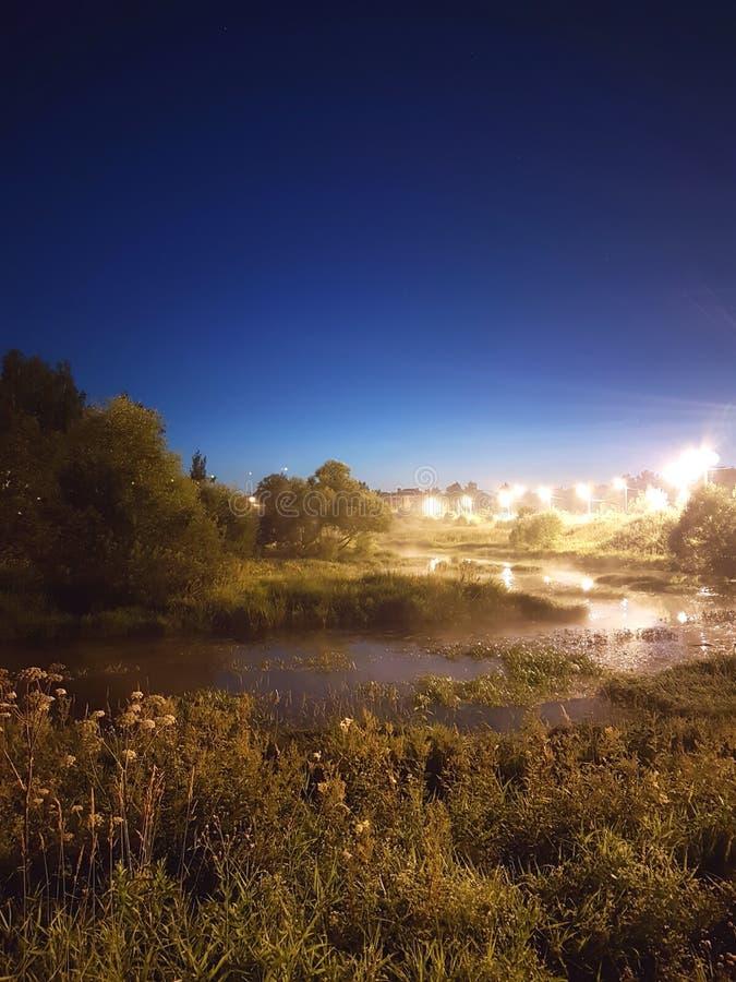 Rio da noite fotografia de stock