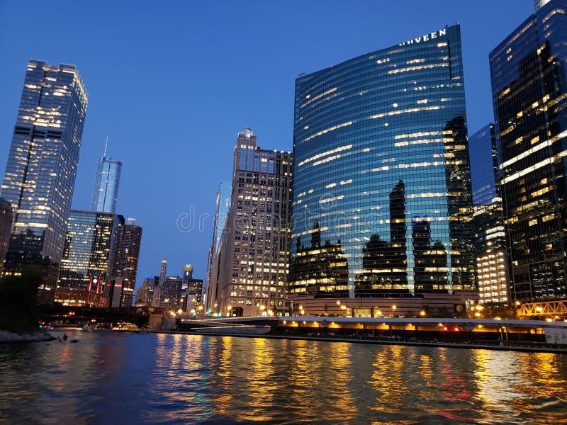Rio da noite de Chicago foto de stock