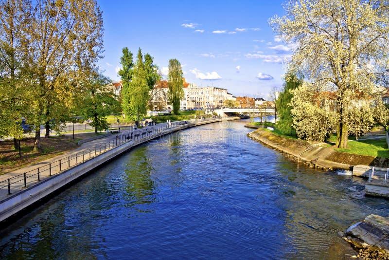 Rio de Brda na cidade de Bydgoszcz - Polônia imagens de stock royalty free