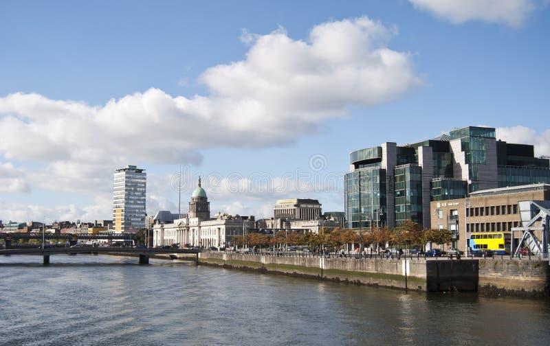Rio de Dublin - de Liffey imagens de stock