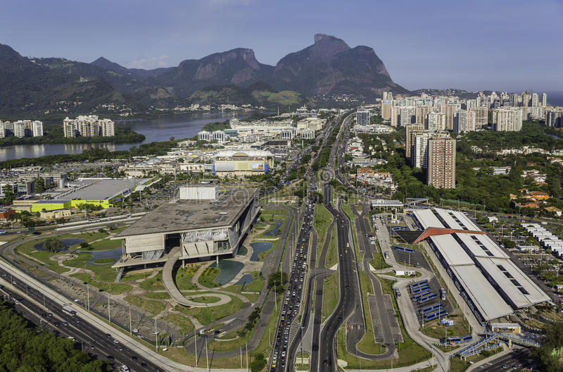 Rio de Janeiro Barra da Tijuca flyg- sikt royaltyfri fotografi
