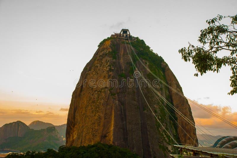 Rio de Janeiro, Brazil: Cable car and Sugar Loaf mountain in Rio de Janeiro royalty free stock images