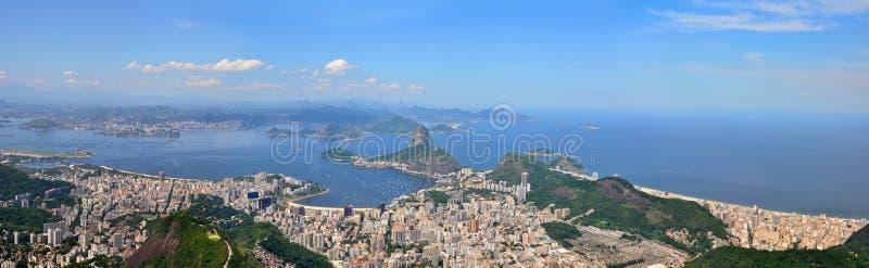 Rio de Janeiro, el Brasil. Pan de Suggar visto de Corcovado. imagen de archivo