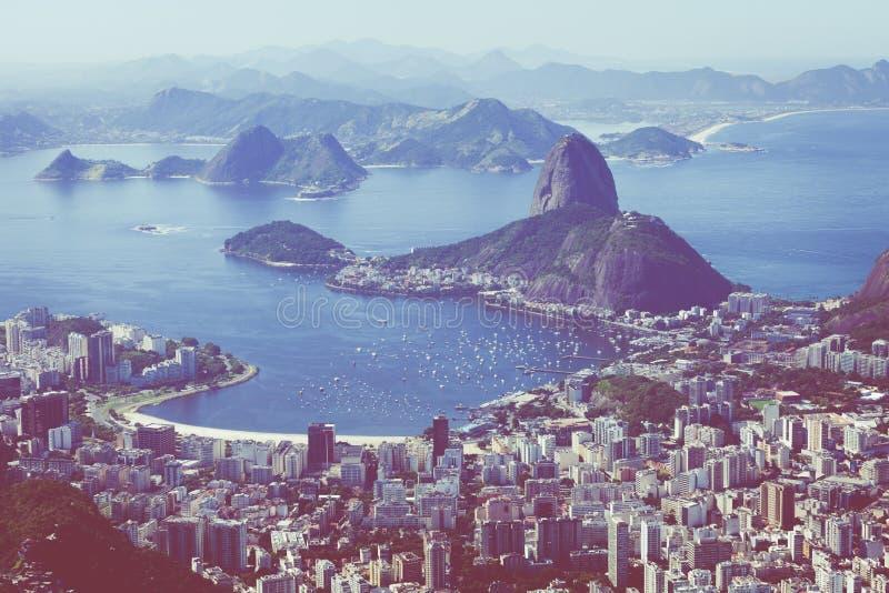 Rio de Janeiro, el Brasil Pan y Botafogo franco visto playa de Suggar fotografía de archivo