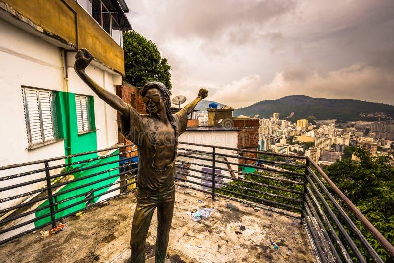 Rio de Janeiro - Juni 21, 2017: Michael Jackson-standbeeld in favela van Santa Marta in Rio de Janeiro, Brazilië royalty-vrije stock afbeeldingen