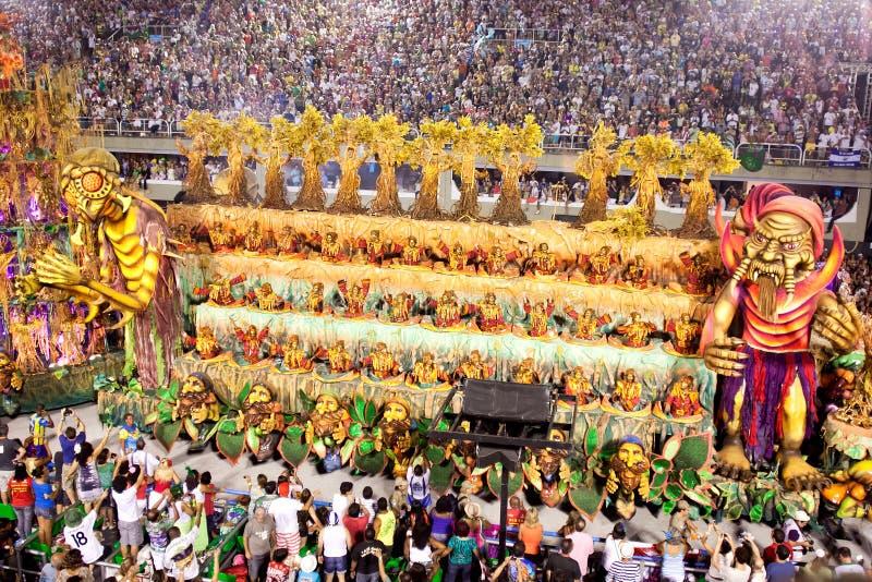 RIO DE JANEIRO, LUTY 11 -: Pokazuje z dekoracjami na karnawale obraz royalty free