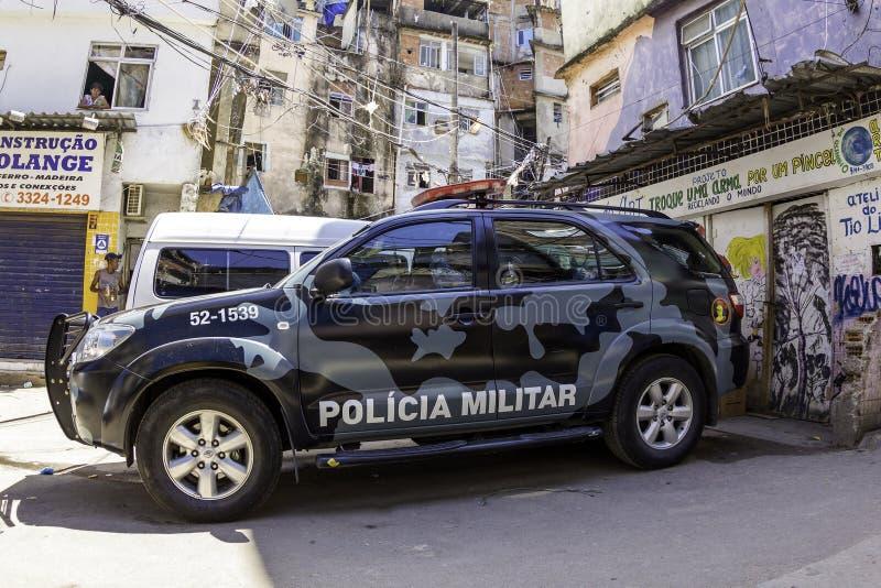 Rio De Janeiro policja wojskowa patroluje ulicy Rio De Janeiro obrazy stock