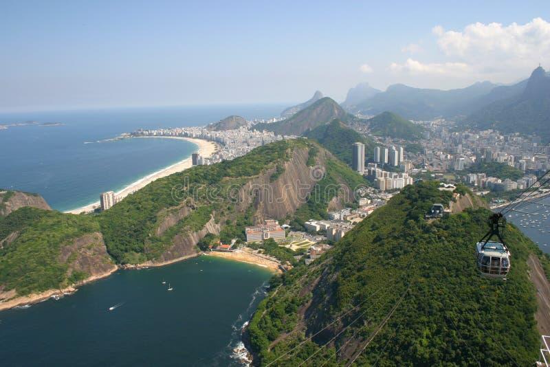 Rio de Janeiro som ses från sockret, släntrar royaltyfria foton