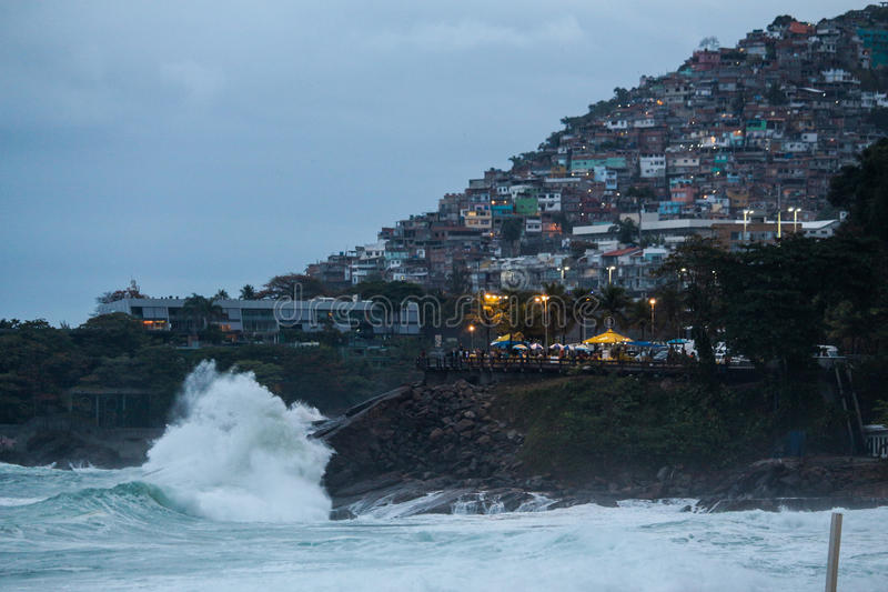 Rio De Janeiro szorstkich morza na kac dniu obraz royalty free