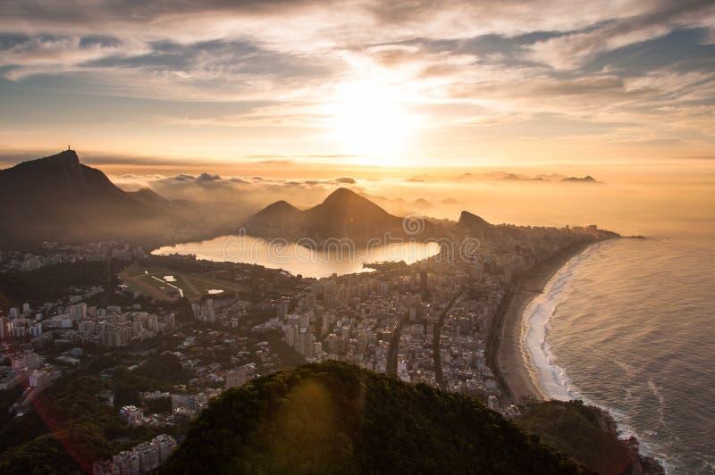 Download Rio De Janeiro Wschód Słońca Zdjęcie Stock - Obraz złożonej z latin, równo: 57673998