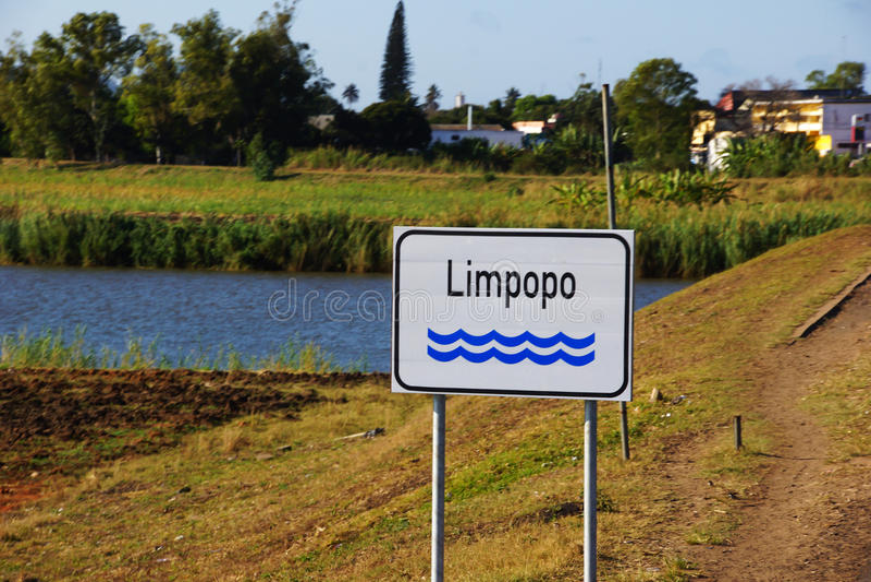 Rio de Limpopo em Moçambique foto de stock royalty free