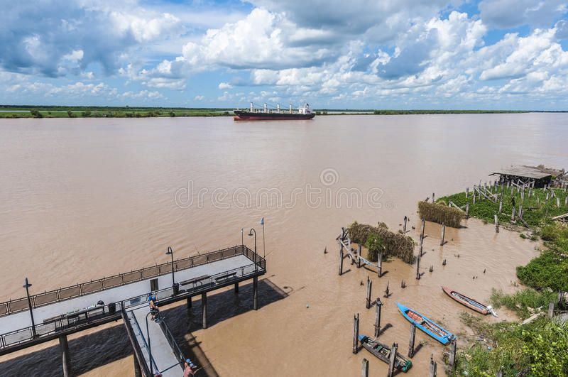 Rio de Paraná como passa através de Rosario. foto de stock