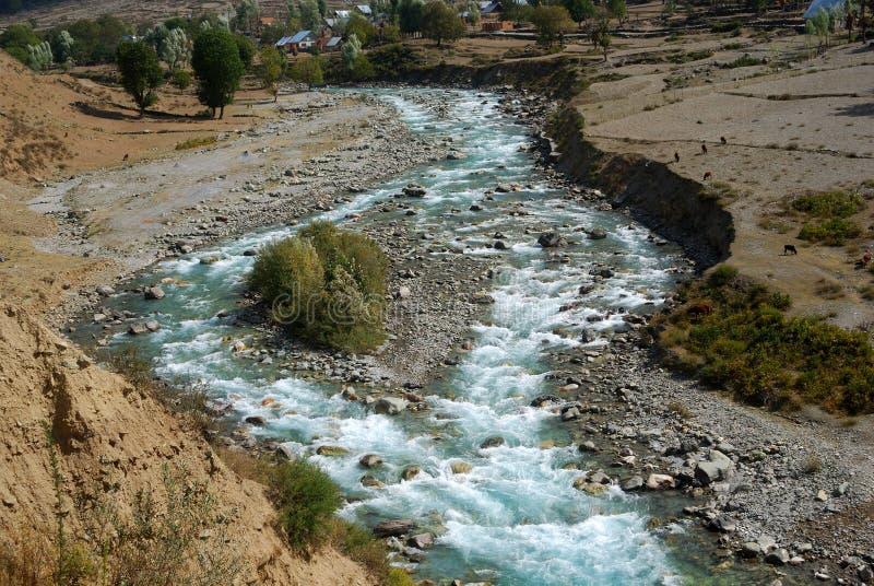 Rio de Sindh, Kashmir, India foto de stock royalty free