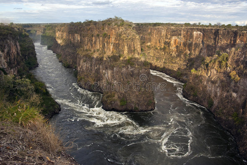 Rio de Zambezi perto de Victoria Falls imagem de stock