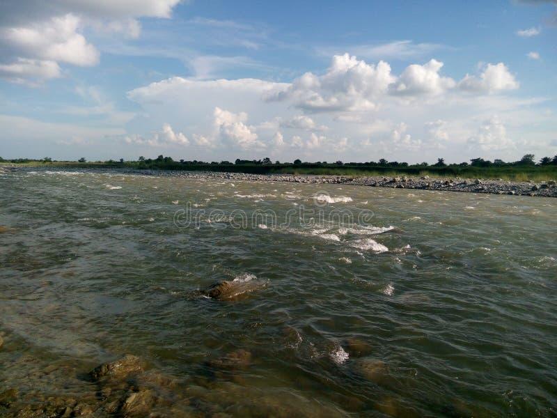 Rio Dhanshiri, BhairabKunda, Assam, Índia fotos de stock royalty free