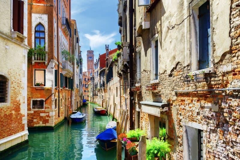 Rio di San Cassiano Canal et les maisons médiévales, Venise, Italie photos stock