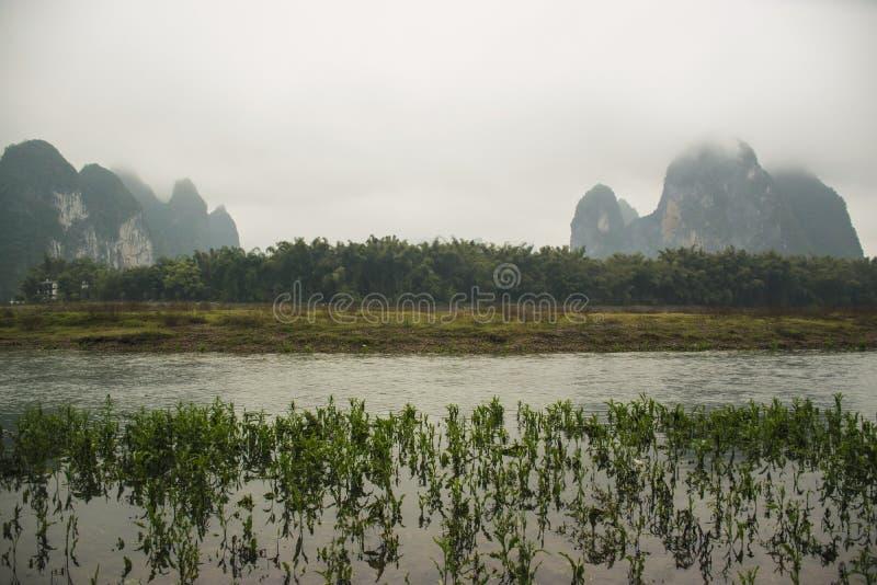 Rio e montanha, landform do cársico fotografia de stock royalty free