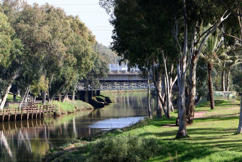Rio e parque de Yarkon em Tel Aviv fotos de stock royalty free
