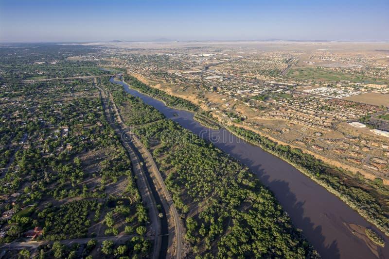 Rio Grande in Albuquerque, New Mexiko stockbilder