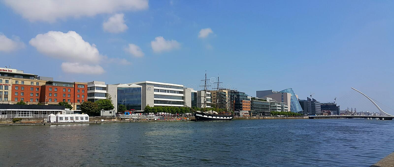 Rio Liffey em Dublin foto de stock