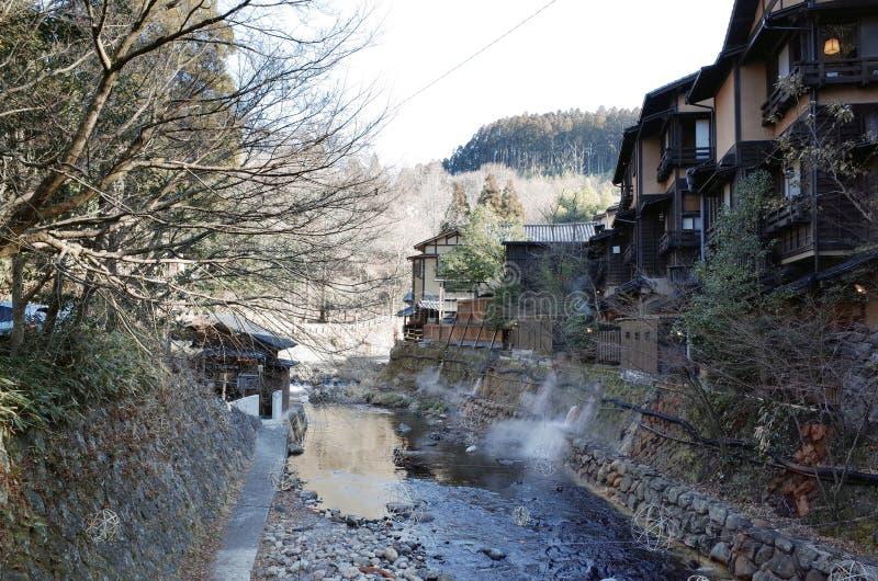 Rio na cidade de Kurokawa Onsen em Aso, Kyushu, Japão imagem de stock royalty free