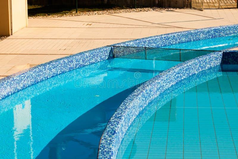 Rio preguiçoso vazio na piscina fotografia de stock royalty free