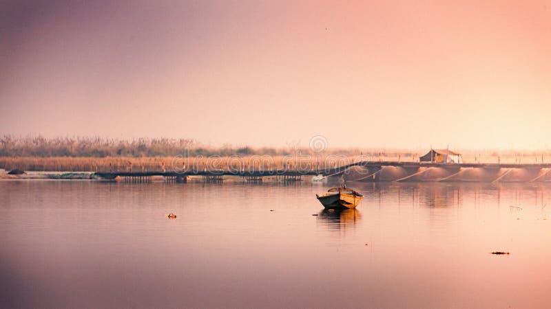 Rio santamente indiano o Ganga imagem de stock