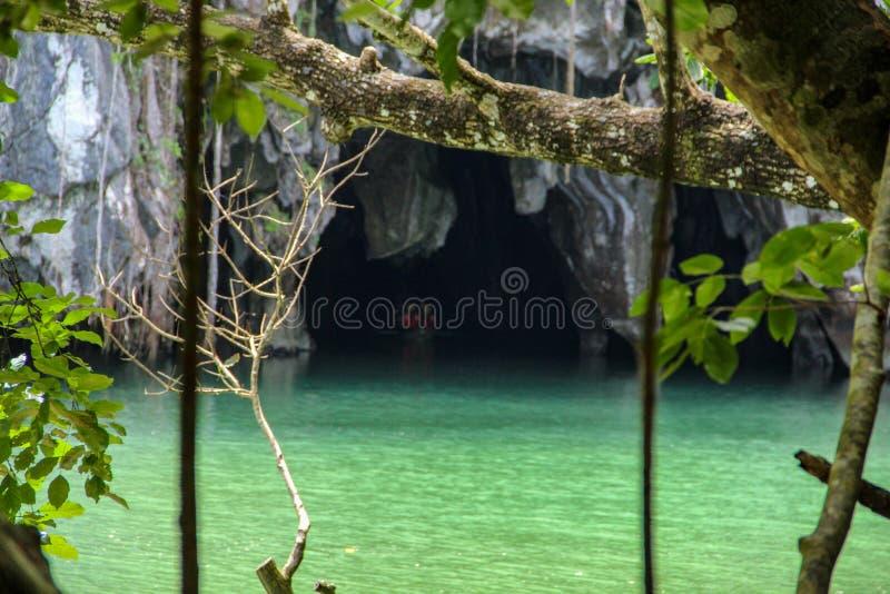 Rio subterrâneo em Puerto Princesa imagem de stock