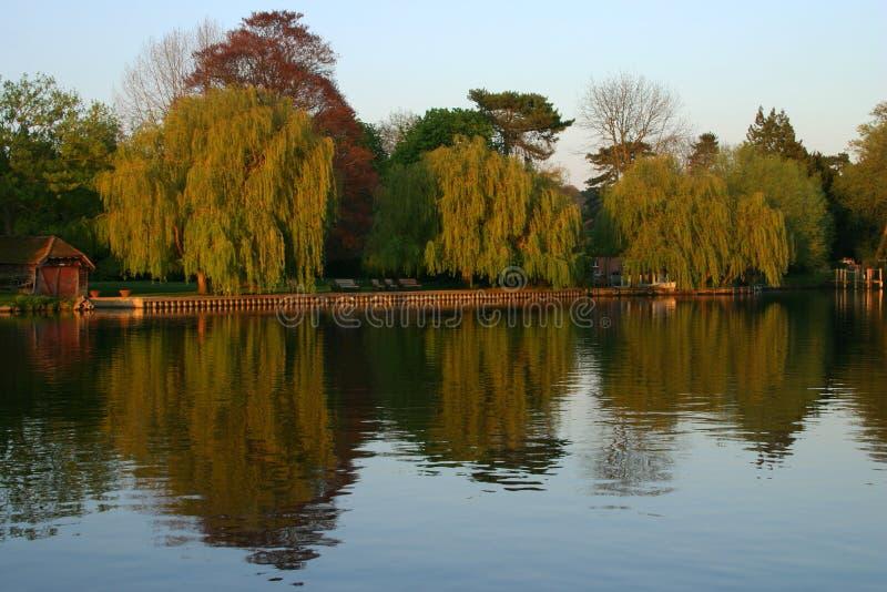 Rio Tamisa em Cookham imagem de stock