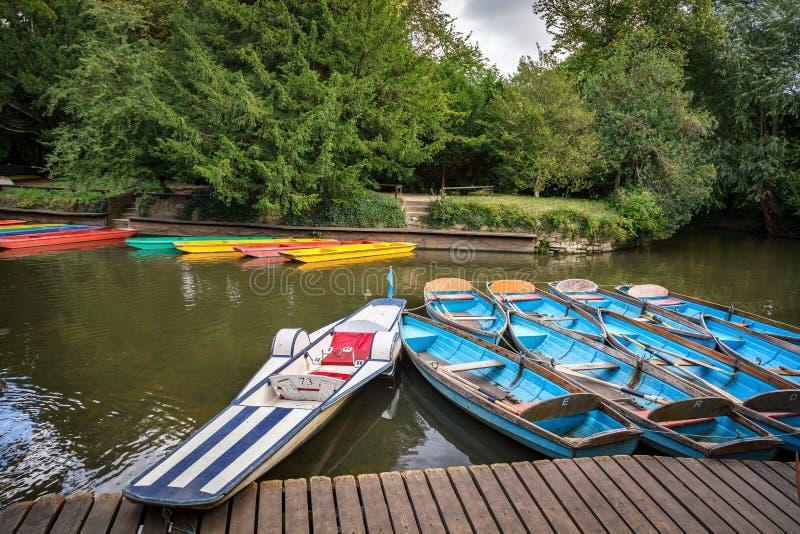 Rio Tamisa Oxford Inglaterra Reino Unido do pontapé foto de stock