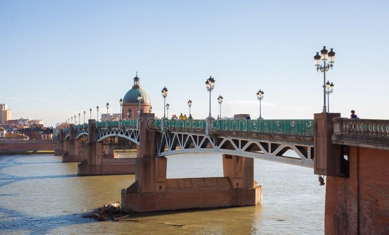 Rio Toulouse de Garona da ponte do Saint Pierre de Pont fotos de stock royalty free