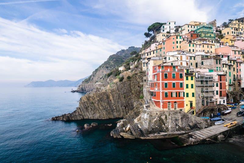 Riomaggiore by av Cinque Terre i Liguria, Italien arkivbild